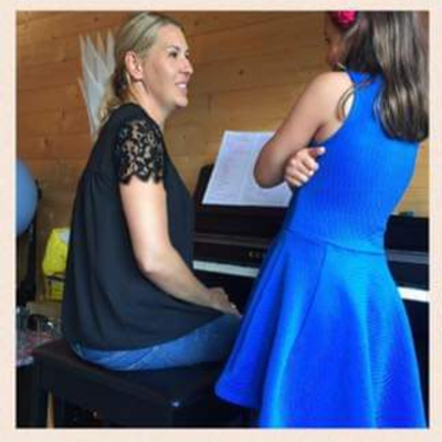 MusicStation piano teacher Nicola Underwood